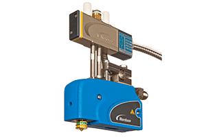 Elektrische oder pneumatische, kontaktlose bzw. Kontaktapplikatoren von Nordson zum exakten, reproduzierbaren Klebstoffauftrag unterstützen flexible Auftragsmuster und bieten zuverlässigen Betrieb.