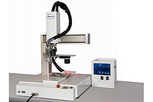 Automatyczne nanoszenie zapewniające precyzyjne dozowanie kleju topliwego o najwyższej powtarzalności i wydajności.