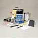 Das Service-Kit zum Spülen der Schmelzgeräte von Nordson enthält alle für das Spülen und Reinigen des Schmelzgerätetanks benötigten Teile