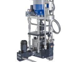 VDK Midi applicators for material dispensing in dynamic robot applications