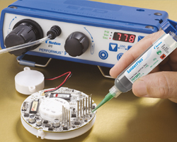 Applying Solder Past with a Performus V dispenser
