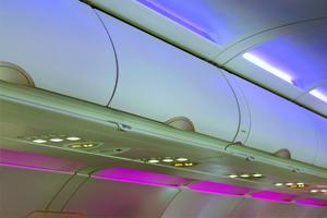 Flugzeug Verbundwerkstoffe und Interieurbauteile